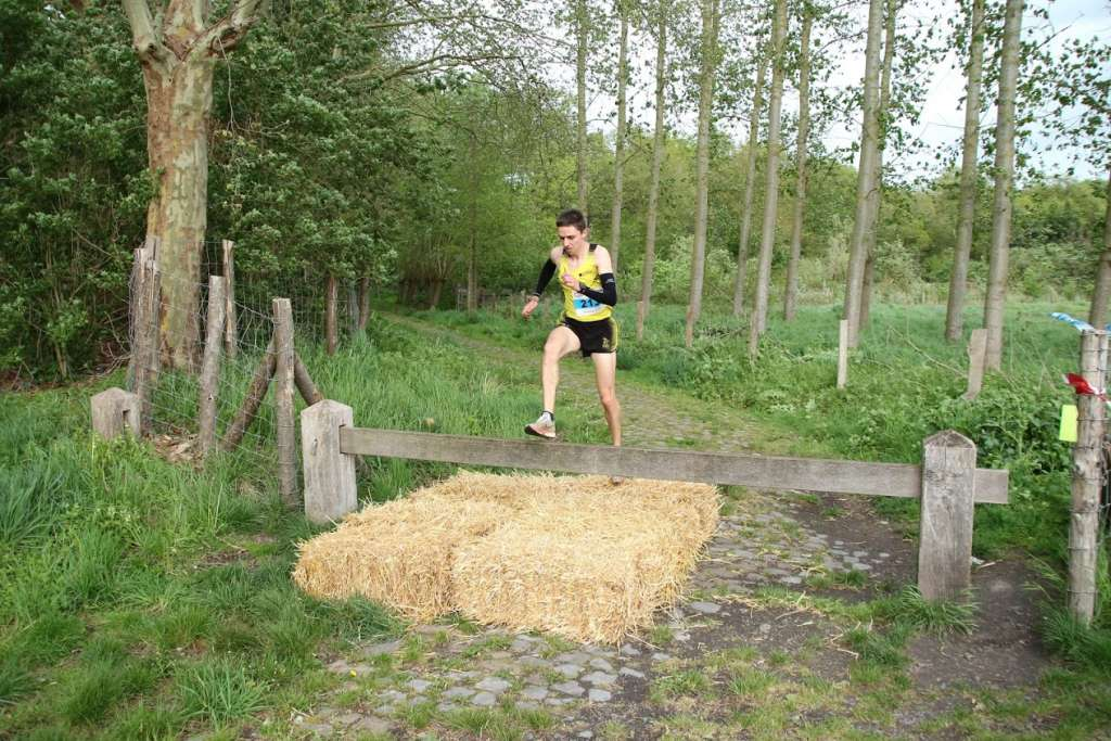 Loic QUINET 15K Leforest obstacle